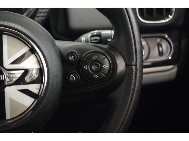 ★4輪ディスク・ブレーキ、アンチロック・ブレーキング・システム(ABS)、コーナリング・ブレーキ・コントロール(CBC)を標準装備しており、あらゆる状況で安全なブレーキングを実現します。