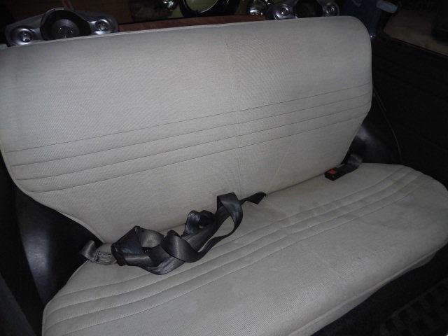 後部座席も納得のサイズです♪