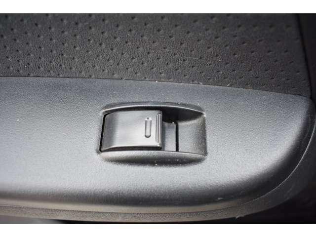 ■助手席側のパワーウィンドウスイッチも動作確認済■