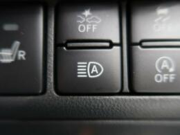 ◆【ハイビームアシスト】走行中に自動でハイビーム・ロービームに切り替えてくれる機能です。夜間や電灯の少ない道路等、人気の装備のひとつです。