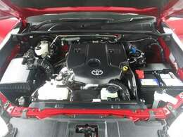 勿論、厳しい環境基準に対応したエンジン搭載です。 ディーゼル車です!