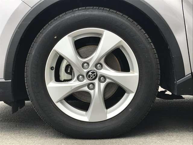 【純正17インチアルミホイール】タイヤサイズは215/60/R17です♪