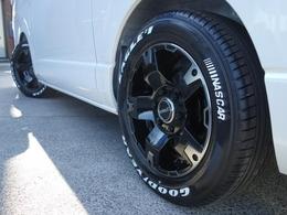 タイヤにはグットイヤー NASCARホワイトレタータイヤを新品で装着♪