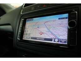 ナビゲーションをはじめ、オーディオ&ビジュアルや車両に関する情報などを集約。すべての操作を大型タッチパネル・ディスプレイで直感的に操れるシステムです。