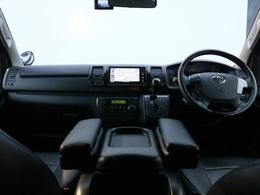 走行34000kmの低走行で内外装の状態も良好! 新車時メーカーオプションの両側自動ドアも完備! 内外装ドレスアップパーツから電装品まで充実の装備内容です。全国陸送&納車も可能です!