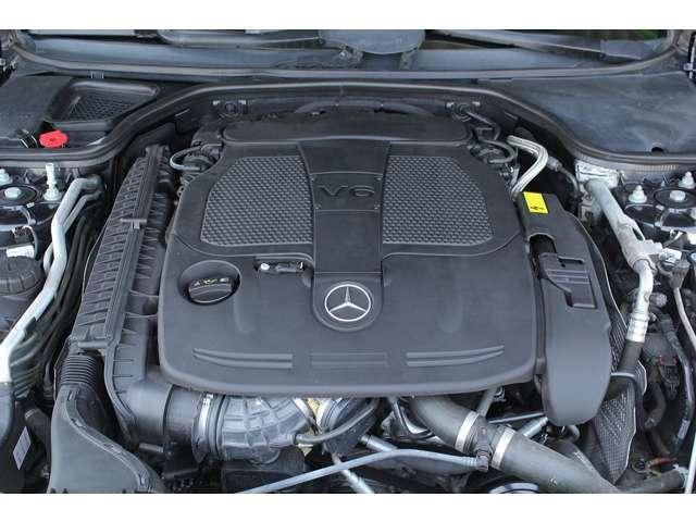 ■出力306ps(カタログ値)■トルク37.7kg(カタログ値)■V型6気筒DOHC■排気量3497cc■燃費12.8km(08モード)■エンジンルームも綺麗に磨かれており、エンジン下のオイル漏れも御座いません。■