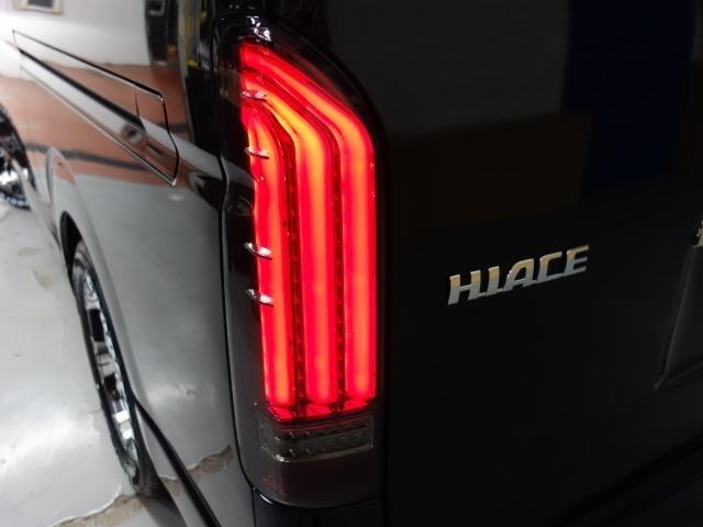 テールにはFLEXオリジナル アルティメットLEDテールランプを新品で装着!流れるウィンカーが特徴です♪