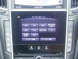 純正のツインディスプレイナビは、スマートフォンのように操れるフィンガーアクション操作など、ドライバーがより快適に操作できる機能があります。