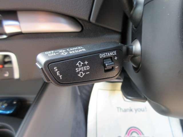 ◆アダプティブ・クルーズ・コントロール◆高速走行時などの運転負荷を軽減する、インテリジェントな機能◆任意に設定された速度で先行車との車間距離を維持して、加減速や停止、再加速までを自動的に行います◆
