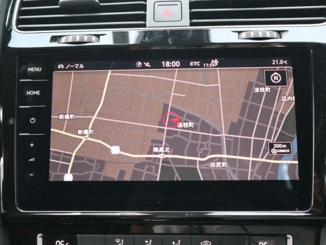 ディスカバーPRO大画面9.2インチタッチパネルの高性能ナビには、フルセグTV、CD、DVD、SDカード、Bluetooth、Volkswagen Car-Netの機能を搭載しています