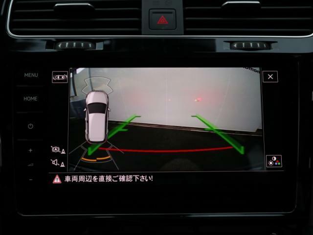 デザインに優れたエンブレム収納タイプのリヤカメラ+バンパーセンサーを装備しておりますので車庫入れが苦手な方でも安心です。