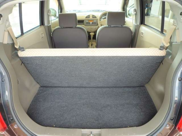 ラゲッジスペースは軽自動車の標準的なスペースです