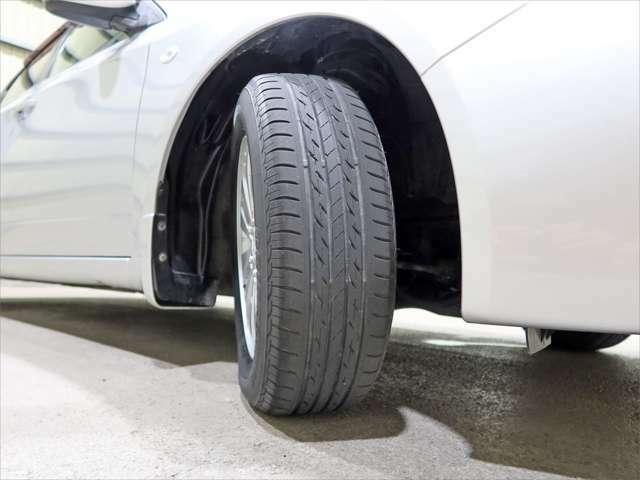 タイヤの残りはこんな感じです。。