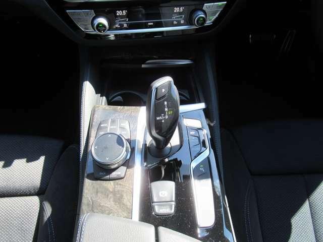 8AT(MTモード) ワイヤレスチャージ iDriveコントローラー ドライビングモード 電子パーキングブレーキ ドライブレコーダー ETC アンビエントライト