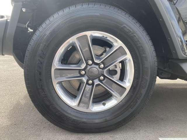 タイヤ・ホイールも大径でとても似合っています☆