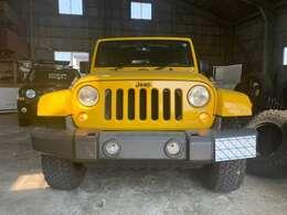 Jeepエンブレムをマットブラック仕上げにしました!