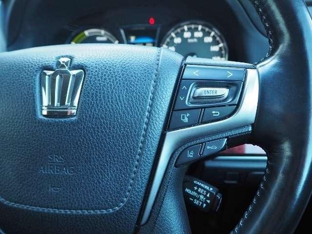 レーダークルーズコントロール・・高速道路で定速走行だけでなく、広い範囲で先行車との車間距離を適切に保ちながら追従走行ができます。