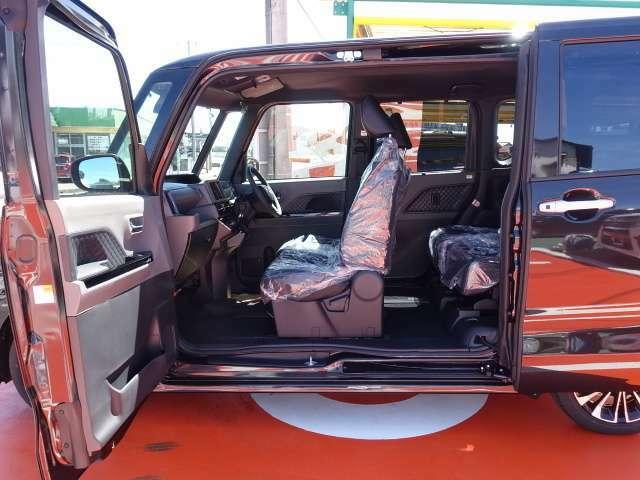 ★修復歴車一切ありません!それどころか、弊社の仕入在庫につきましては、フェンダー、ボンネット、ドアパネル等の交換歴、修理歴のある車両は基本的に仕入れを行いませんので高品質な車両のみ在庫で揃えています!