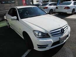 人気のホワイト!!!ディーラー車!!!ローン頭金なし、72回まで対応!仮審査もFAXで簡単に出来ます!TEL(0120-005751)