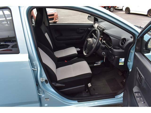 フロントシートは乗り心地とサポート性を追求。運転の疲労を軽減し、正確な操作を支えます。