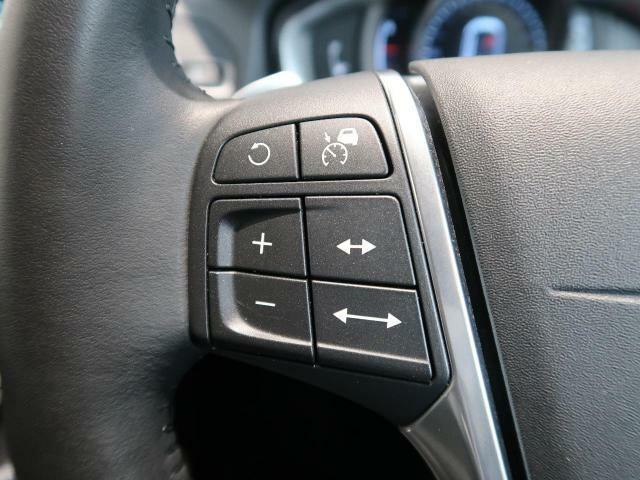 ◆全車速対応機能付きアダプティブクルーズコントロール『交通の流れに合わせ、発進から停止までを自動でコントロール。ドライバーの負担軽減に大きく役立ちます。衝突軽減緊急ブレーキ機能も備えております。』