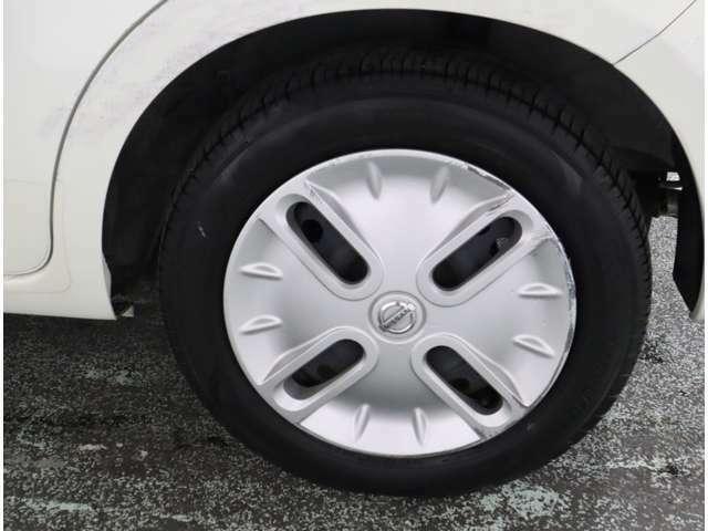 タイヤのサイズは純正の標準です