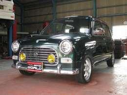 当社では輸入車をはじめ、国産車、バイク、多数展示しています!!