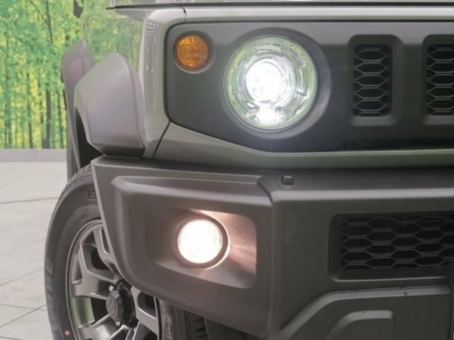 【LEDヘッドライト】を装備しております。さらに、フォグも『LED』などにして頂くと、統一感・ドレスアップ効果も高まります☆