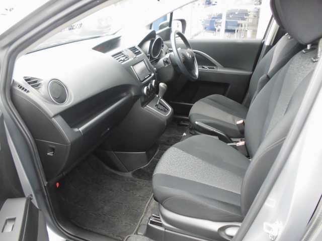 西日本自動車のココが安心!!その6当社でご購入頂いた車両には全車12ヶ月または10000Km(輸入車に除く)整備保証を付けさせていただいております。