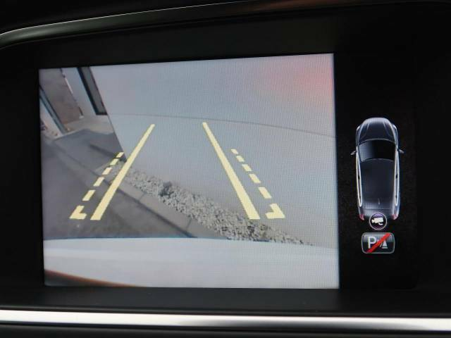 ●バックカメラ&レーンアシスト付き『駐車が苦手な方でも、モニターで後方が確認頂けるので、安心して駐車していただけます!』