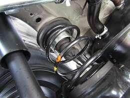 シルクロードリフトアッップキットにブリヂストンのブロックタイヤでトータル40mmUPを実現