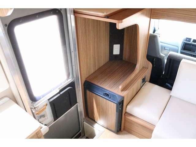 テレビ台として使用可能なスペース☆DC冷蔵庫も装備されています☆