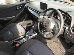 高級感のある車内でいつもより上級ののドライブを。