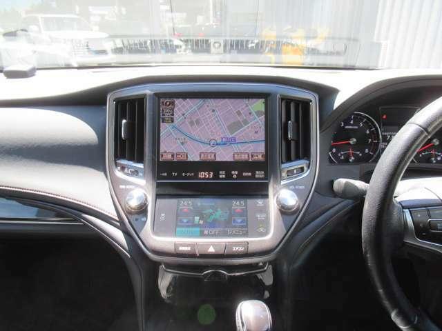 ナビ フルセグ Bluetoothオーディオ CD/DVD AUX USBとあらゆるメディアをお楽しみ頂けます♪ トヨタマルチオペレーションタッチはエアコンの設定から車両設定まで操作可能です♪