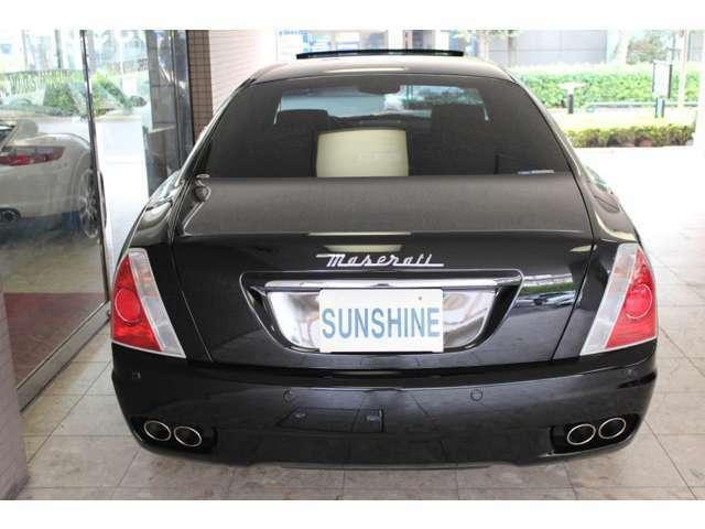 ボディーカラーはネロカーボニオ、新車時メーカーオプションの前後パークアシストセンサー装着車です。詳しくは弊社ホームページをご覧くださいませ。http://www.sunshine-m.co.jp