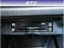 【ETC】純正ビルトインタイプのETCです。専用設計になりますのでデザインもスッキリです。