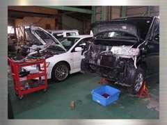 販売車両は、自社工場にて点検整備を行ってます!