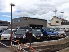 板金・修理、車検整備、レンタカー、レッカーなど幅広く営業中!