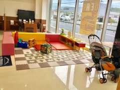 小さなお子さま連れのお客さまも安心してご来店いただけるよう、キッズコーナーを完備しております♪
