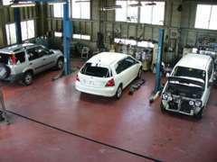 自社工場完備!ご購入後の車検・点検・修理などもお任せ下さい!