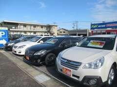 軽自動車からミニバン、輸入車まで幅広く展示しております!!!