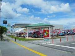 ホンダカーズ沖縄は沖縄県のホンダ正規ディーラーです。ショールームには人気の モデルを多数展示しています!