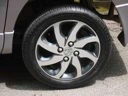 車の良さに合わせてホイルを変更、ルークスの純正awに新品タイヤを装着致しました!!走りのマニュアルですからね(^^♪