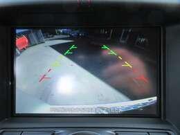メーカHDDナビ付き♪ ガイド線付バックカメラで駐車も安心ですね♪ 目線の低い車両になりますので、カメラがついていると安心感がありますね♪