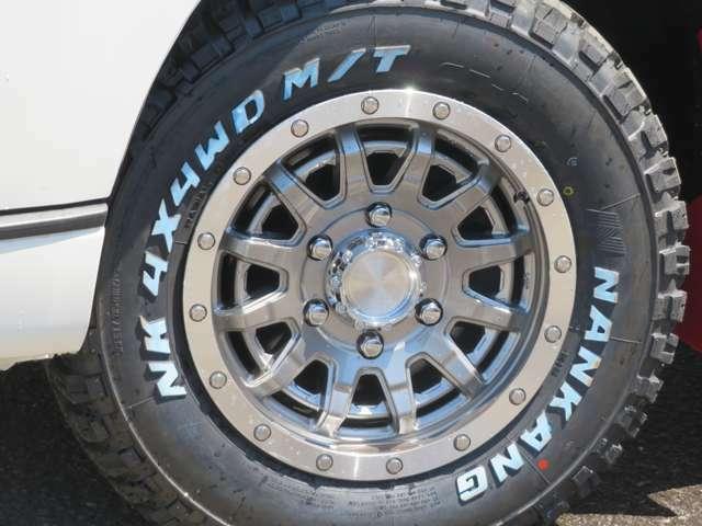 エセックスEXホイルに、ナンカンマッドタイヤのバン専用LT規格をチョイスいたしました。オフロードパックにはこだわりのカスタマインズです。