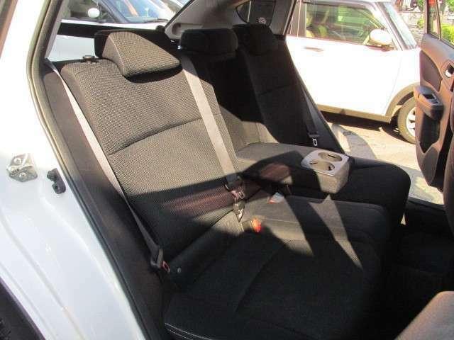 車内高があり、ワイドボディーのXVは後部座席に乗られてもゆったりおくつろぎいただけます。ぜひお乗りになってみてくださいね