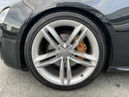 S5用19インチアルミホイール、ブレーキキャリパーカバー、ダウンサス