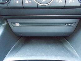 ドライブを盛り上げるのは音楽ですね♪CD、DVDデッキ装着で楽しくロングドライブをお楽しみ下さい!