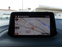 マツダコネクト!ソフトウェアのアップデートもでき、各種車両の設定、もちろんブルートゥース等も備えてます!様々なものとコネクトする!それがマツダコネクト!!