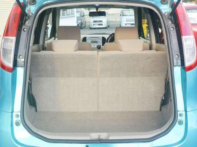 荷物スペースも特に汚れや損傷もありません。